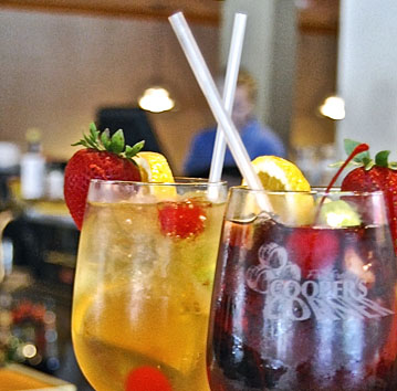 What's better than Sangria? Both. (White & Red Sangria)